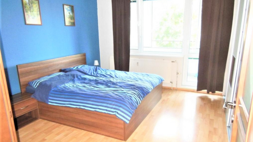 3-izbový byt v pokojnej lokalite, 2x LOGGIA, Rovniankova ul., Petržalka