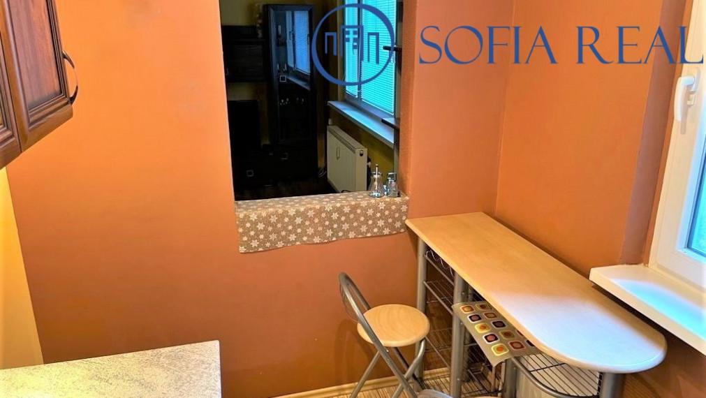Zrekonštruovaný 1-izbový byt so samostatnou spacou zónou, Dúbravka, Saratovská ul.